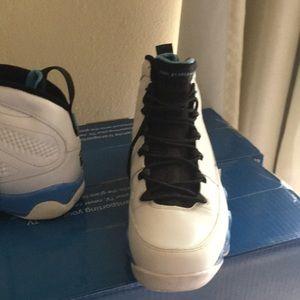 Jordan Shoes - Authentic JORDANS PRICE NON NEGOTIABLE NO BOX